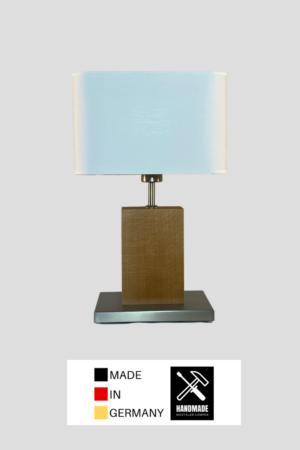 Elsa – Tischlampe aus Buche mit weißem Schirm