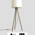 Tribus – Tischlampe Dreibein Edelstahl mit Schirm weiß